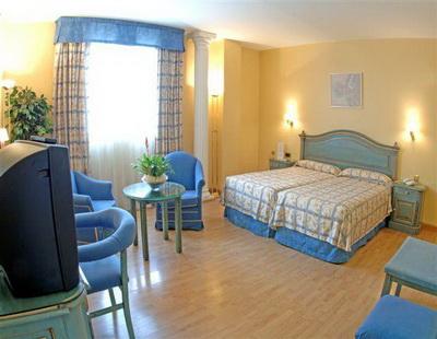 BenidormVacaciones.com - HOTEL CORONA DE GRANADA