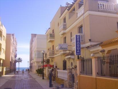 Hotel  Hostal Restaurante Macavi Cb