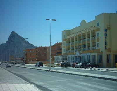 Hotel vita mediterraneo la linea de la concepcion - Hotel mediterranea madrid ...