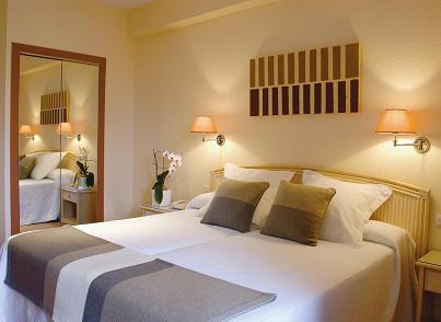 BenidormVacaciones.com - HOTEL LOS ROBLES*