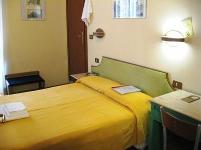 Hotel Alessandro A San Pietro B And B
