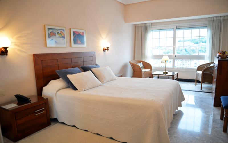 Hoteles en san sebasti n ciudad viajes olympia madrid for Hoteles con habitaciones familiares en san sebastian