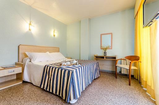 BenidormVacaciones.com - MEDITERRANEO HOTEL ( GUARDAMAR)