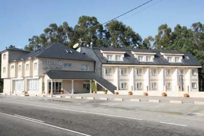 Hotel Dinaján
