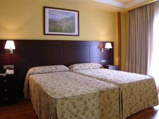 BenidormVacaciones.com - HOTEL II CASTILLAS AVILA*